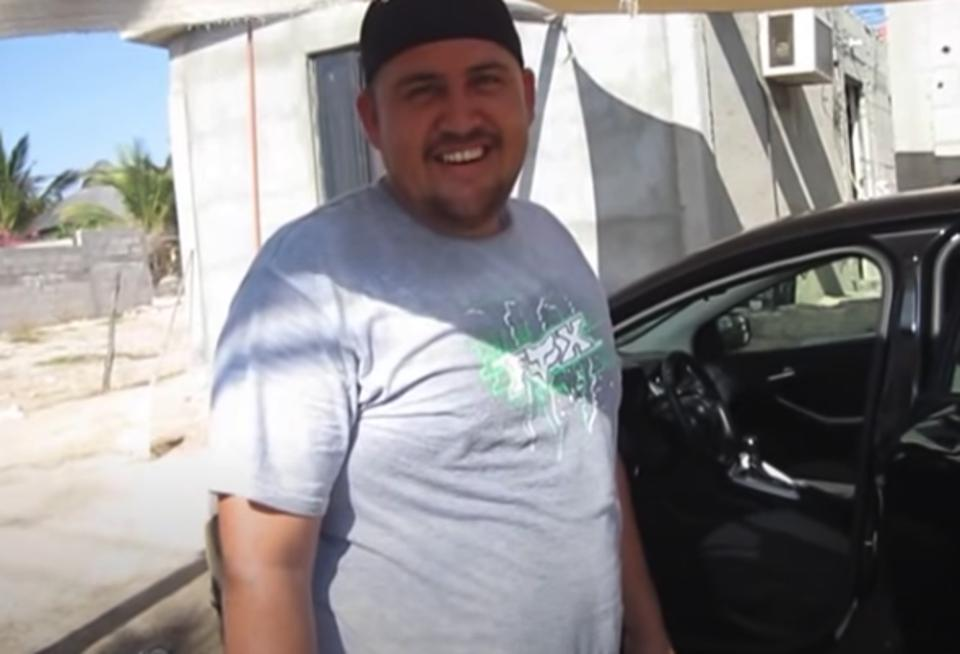 Mexican car wash owner in Baja California