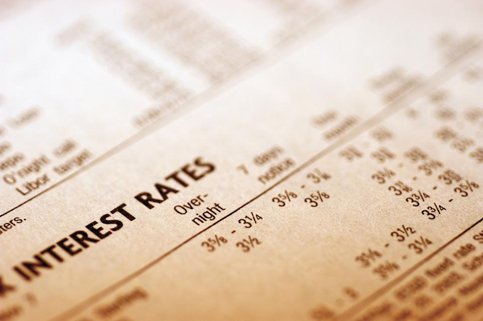 ″Paper with interest rates, close-up″